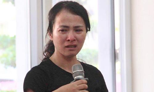 Giáo viên Nguyễn Thị Thu Trang trong buổi họp về sự việc ngày 16/5. Ảnh: Báo Giáo Dục.