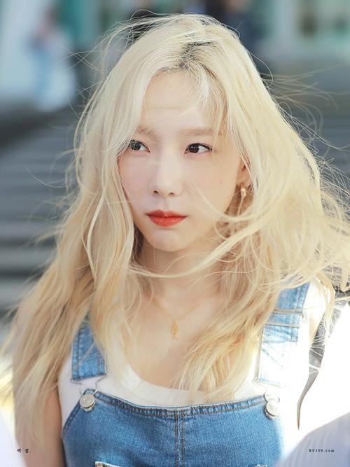 Những bức ảnh của Tae Yeon đang gây sốt trên mạng xã hội, Netizen trầm trồ trước nhan sắc siêu thực của nữ ca sĩ.