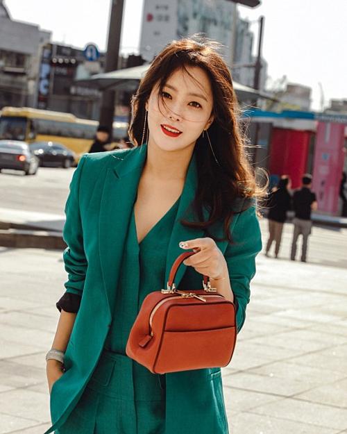Suzy,Min Joo (IZONE) và mỹ nhân Hàn trên tạp chí thời trang tháng 6 - 9