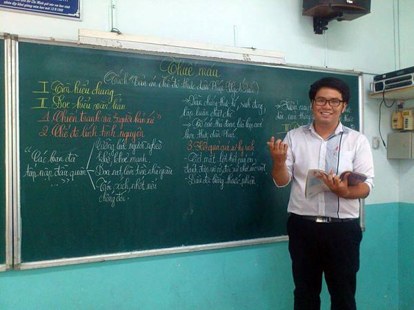 Thầy VõKim Bảo, giáo viên trường THCS Nguyễn Du.