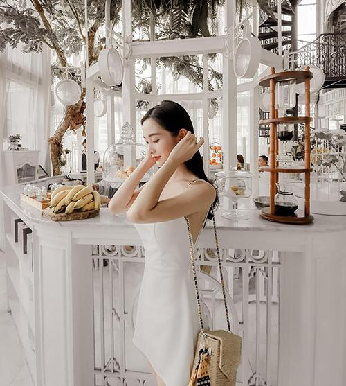 Jun Vũ sang chảnh đi nghỉ ở Bangkok.