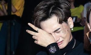 Ali Hoàng Dương bật khóc như con nít vì Thu Minh