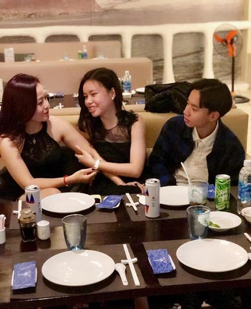 Giữa tâm điểm tranh luận về bộ phim Vợ ba, mẹ diễn viên nhí Trà My viết:Gia đình chúng tôi ổn, hãy để chúng tôi yên.