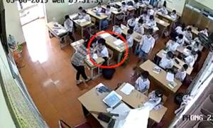 Vụ hai cô giáo đánh học sinh: Hiệu trưởng bị khiển trách