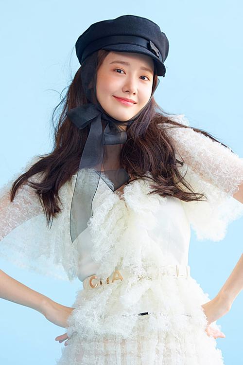 Ở tuổi 29, Yoon Ah vẫn giữ được phong độ nhan sắc như thời đỉnh cao.