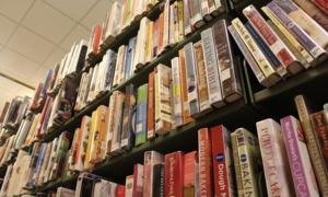 Mượn sách 52 năm, độc giả tự trả tiền phạt vì 'xấu hổ'
