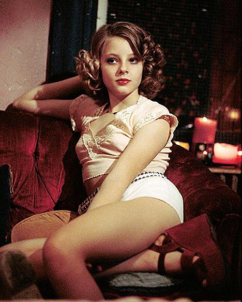 5 sao nữ Hollywood đóng phim nhạy cảm ở tuổi vị thành niên - 1