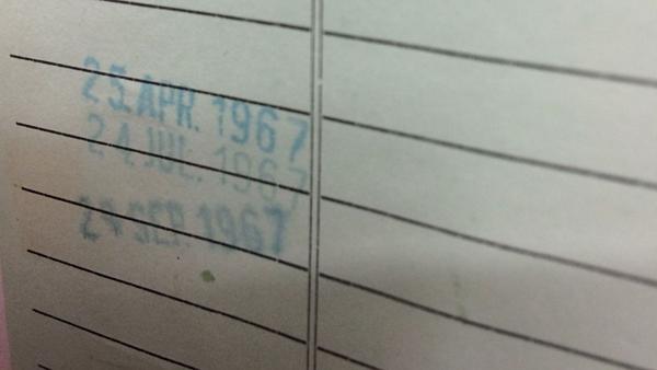 Dấu tem in ngày cần trả vào năm 1967.