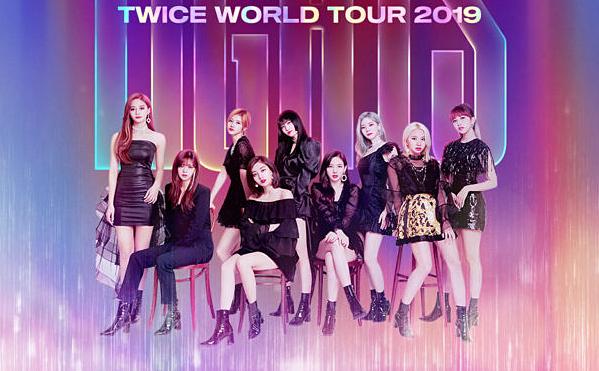 Twice đang thực hiện tour diễn thế giới.