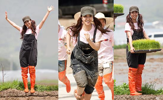 Yuri khiến các fan nam không thể rời mắt nhờ hình thể khỏe khoắn, nước da ngăm và nụ cười rạng rỡ.