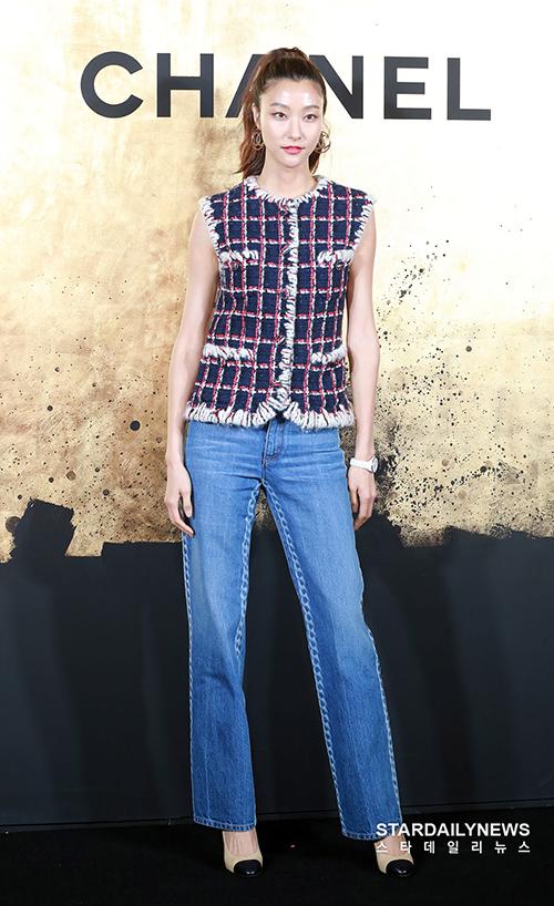 Người mẫu Park Ji Hye.