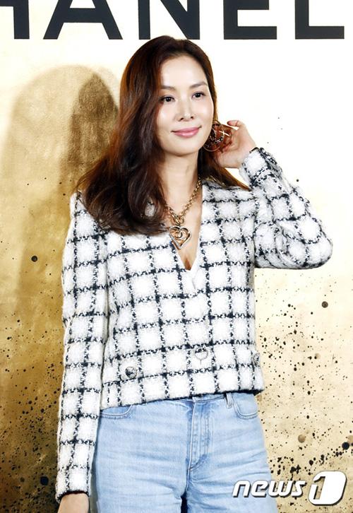 Go So Young hiếm khi xuất hiện nhưng luôn khiến công chúng trầm trồ vì nhan sắc trẻ trung.