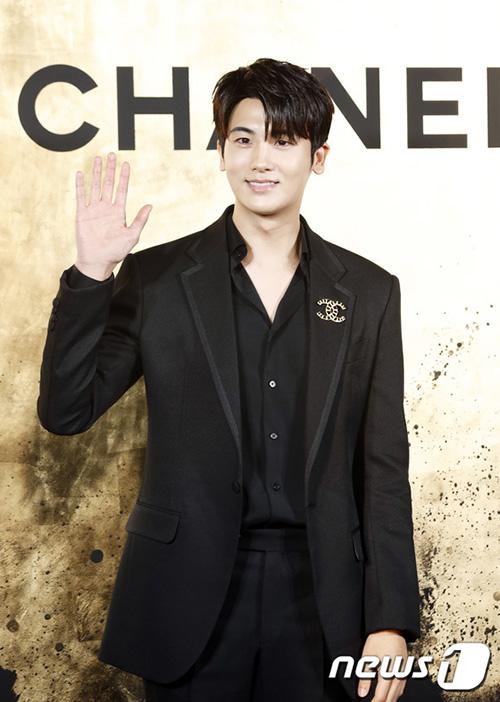 Park Hyung Sik sẽ nhập ngũ vào tháng 6.
