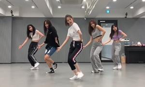 Yoon Ah thể hiện khả năng vũ đạo cover loạt hit Kpop