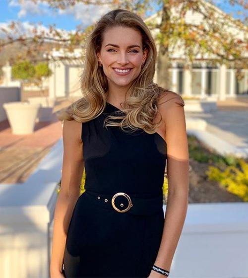 Hoa hậu Thế giới thứ hai đến từ Nam Phi đã lập gia đình. Sau 5 năm nổi tiếng, cô ngày càng mặn mà và vẫn thu hút người đối diện với nụ cười rạng rỡ.