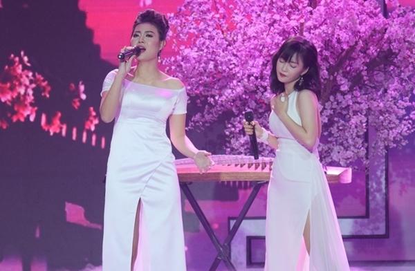 Thanh Hương và HLV Đinh Hương trên sân khấu Trời sinh một cặp.