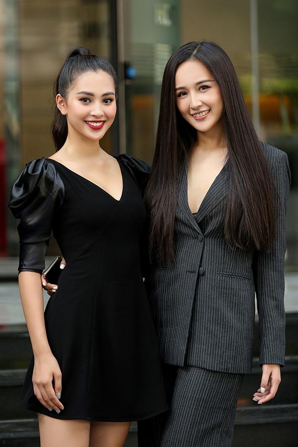 <p> Đây là lần đầu tiên hai người đẹp cùng đọ sắc tại một sự kiện.</p>