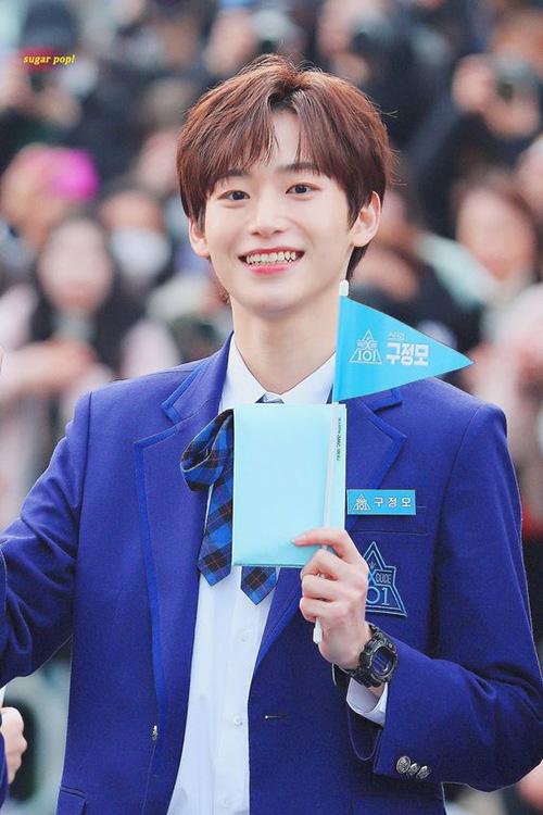 Goo Jeong Moo giữ hạng 9 dù anh chàng không được lên sóng nhiều. Nam thực tập sinh sở hữu nụ cười rạng rỡ, là top visual của chương trình.