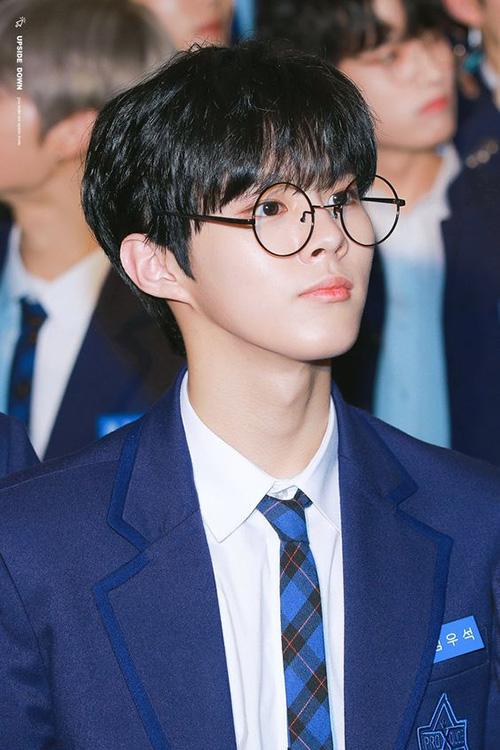 Kim Woo Seok có nhiều kinh nghiệm trình diễn, lượng fan hùng hậu sẵn có nên gần như chắc suất debut. Thành viên nhóm UP10TION xếp hạng 4.