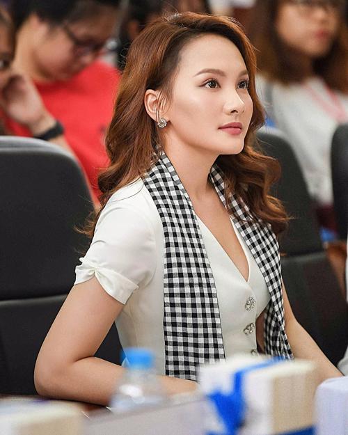 Bảo Thanh xinh đẹp trong sự kiện tại Thái Nguyên.