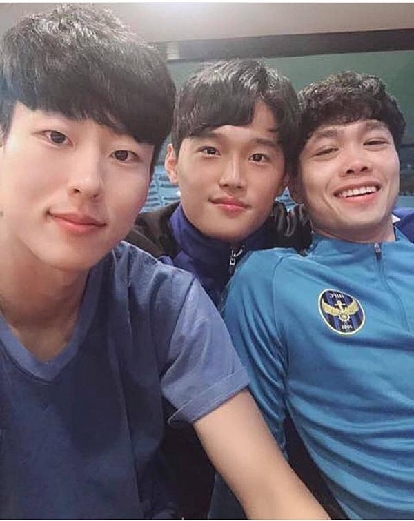 Bộ ba thân thiết ở Incheon.