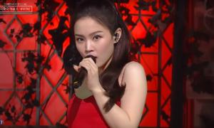 Lee Hi gây tranh cãi với biểu cảm 'vô hồn' trên sân khấu