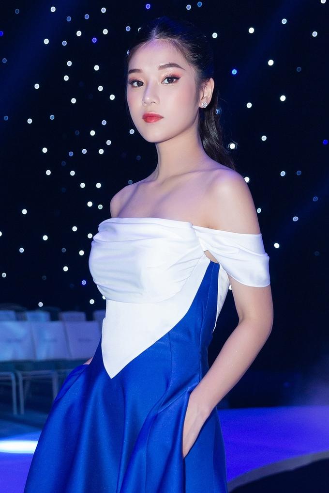 <p> Với Hoàng Yến Chibi hình tượng này chưa phải quá sexy.</p>