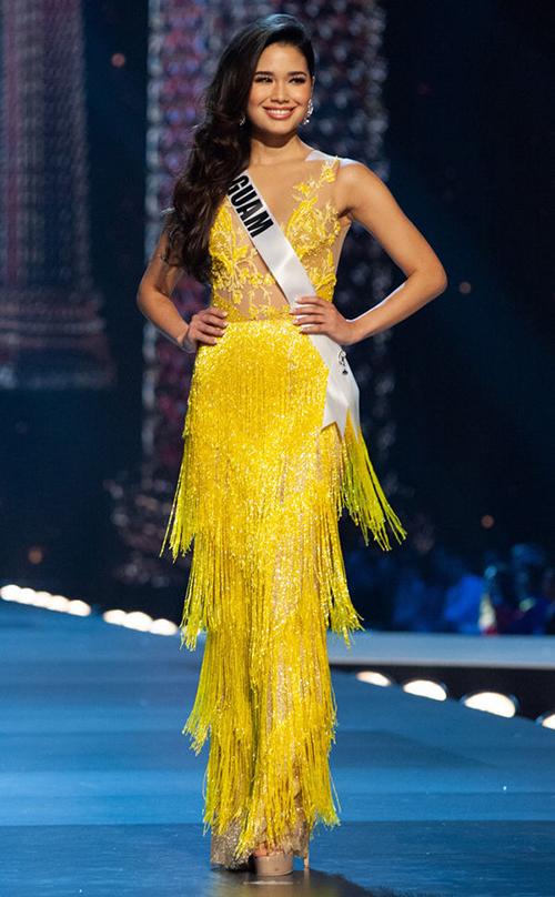 Đứng cuối trong bảng xếp hạng Top 10 là trang phục của người đẹpAthena McNinch
