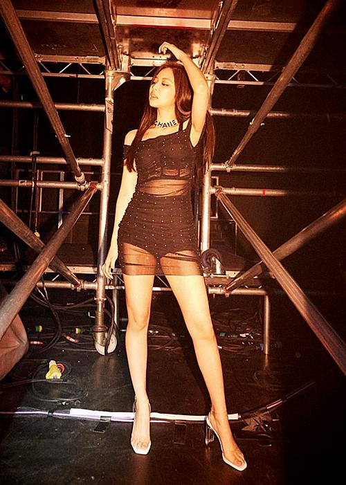 Những nữ idol đang gây bão với thân hình ngày càng sexy - 5