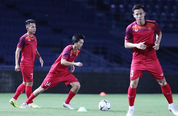 Báo nước ngoài chỉ ra 5 cầu thủ cần ghi điểm với HLV Park tại Kings Cup - 2