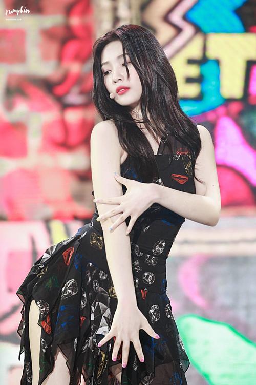 Những nữ idol đang gây bão với thân hình ngày càng sexy