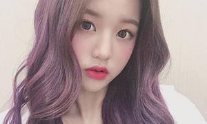 Vượt nhiều tiền bối, idol 15 tuổi được khen là 'nữ thần tóc tím'