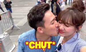 Trấn Thành hôn Hari Won ngọt ngào khi du lịch ở New York
