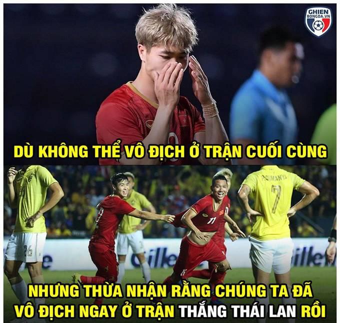 """<p> Đội tuyển Việt Nam đã<a href=""""https://ione.vnexpress.net/photo/hong/ve-bet-tai-kings-cup-thai-lan-thanh-nan-nhan-anh-che-3935689.html"""" rel=""""nofollow""""> đè bẹp giấc mơ</a> vô địch của Thái Lan, thậm chí nước chủ nhà còn trắng tay tại giải đấu.</p>"""