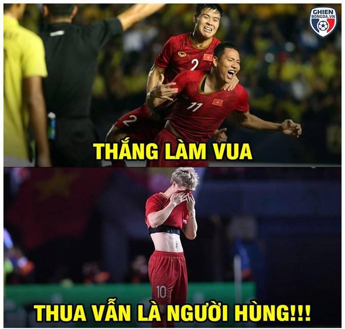 <p> Tối 8/6, tuyển Việt Nam chạm trán Curacao tại chung kết King's Cup. Curacao là đối thủ ngoài châu Á đầu tiên mà Việt Nam đối đầu dưới thời của chiến lược gia người Hàn Quốc Park Hang-seo. Đây cũng là đối thủ mạnh bậc nhất mà Việt Nam từng gặp bởi Curacao đang đứng thứ 82 thế giới, hơn Việt Nam 15 bậc. Thầy trò Park Hang-seo hòa Curacao 1-1 trong 90 phút chính thức, nhưng thua 4-5 trên chấm 11m. Dẫu không thể trở thành nhà vô địch King's Cup song các học trò của ông Park Hang-seo đã thi đấu nỗ lực, quyết tâm.</p>