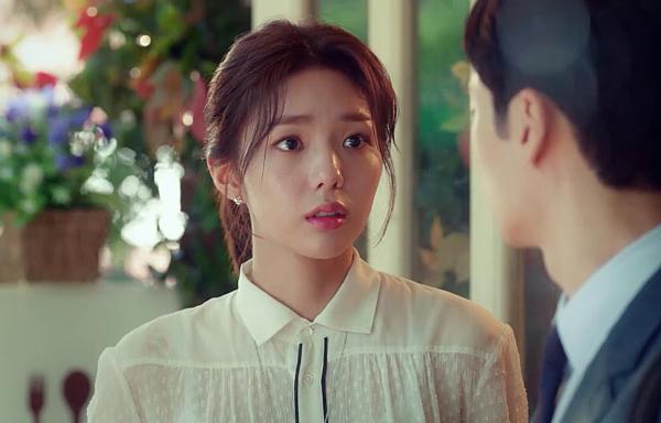 Chae Soo Bin là một trong những sao nữ có thực lực của màn ảnh Hàn. Cô bắt đầu diễn xuất với các phim nhưMy Dictator, House of Bluebird, Cheer Up!. Dù chỉ đóng vai phụ, Chae Soo Bin cũng gây được chú ý với khán giả. Đặc biệt sau bộ phim Mây họa ánh trăng, Chae Soo Bin càng thêm nổi tiếng. Cô được đưa lên đóng vai chính trongI Am Not a Robot và Where Stars Land.