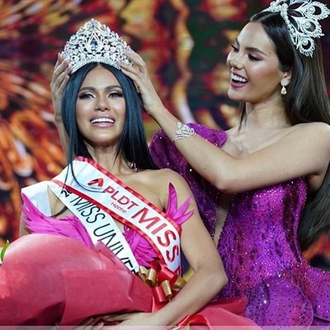 <p> Đêm chung kết <em>Binibining Pilipinas 2019</em> - cuộc thi sắc đẹp uy tín và danh giá nhất Philippines diễn ra tối 9/6 (giờ địa phương)với màn tranh tài của 40 người đẹp.Gazini Christiana Ganados, 23 tuổi, thí sinh đại diện tỉnh Cebu trở thành người chiến thắng. Cô nhận lại vương miện từ Miss Universe 2018 - Catriona Gray. Với chiến thắng này, Ganados giành quyền đại diện nước nhà, tham dự đấu trường <em>Miss Universe 2019.</em></p>