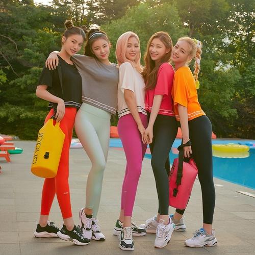 ITZY đốn tim fan bằng vẻ đẹp quyến rũ khi quảng cáo quần legging - 7
