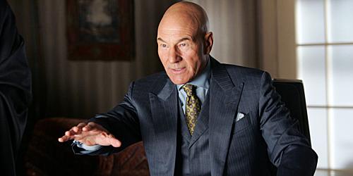 Giáo sư X (Patrick Stewart) trong phần phim đầu tiên năm 2000có lẽ hợp với bối cảnh của Dark Phoenix hơn.