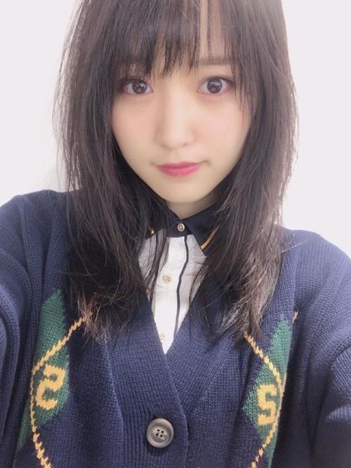 Sugai Yuuka sinh năm 1995, hoạt động trong nhóm Keyakizaka46. Nữ idol xếp thứ 3 với  2.797 lượt bình chọn.