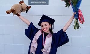 Minh Như khoe giọng cao vút trong lễ tốt nghiệp trung học ở Mỹ