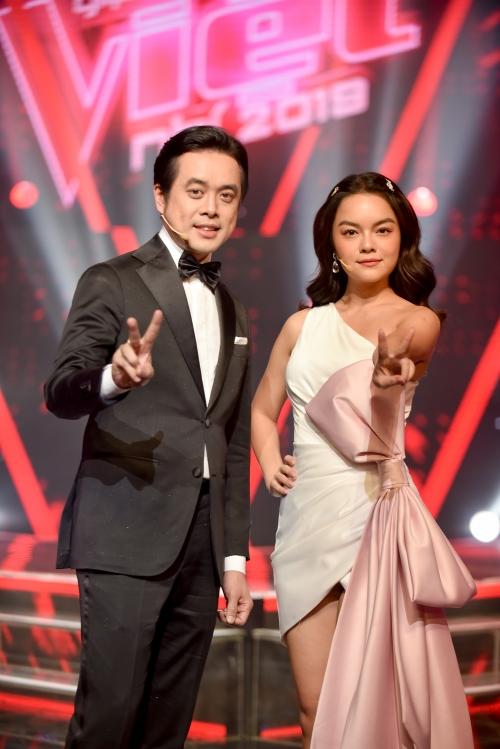 Team Phạm Quỳnh Anh - Dương Khắc Linh.