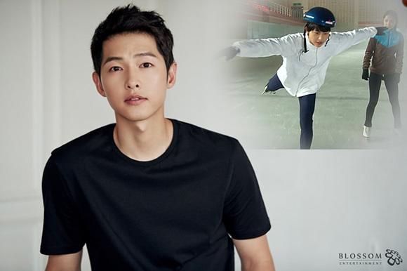 Cặp vợ chồng Song - Song có điểm chung là yêu thích những môn thể thao trên băng. Song Joong Ki từng là một vận động viên trượt băng cự ly ngắn đầy hứa hẹn. Nam diễn viên từng góp mặt trong cuộc thi cấp quốc gia. Tuy nhiên, một chấn thương khiến Song Joong Ki phải giải nghệ.