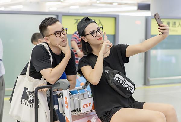 NTK Hà Duy chia sẻ, Hồng Quế không chỉ là người bạn thân ở ngoài đời mà cũng là nàng thơ của anh trong nhiều bộ sưu tập thời trang.