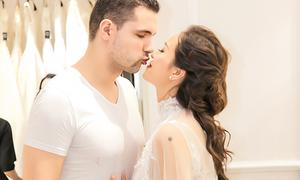 Phương Mai và chồng đi thử váy cưới