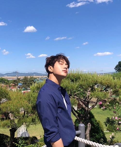 Instagram sao Hàn 15/6 - page 2 - 3