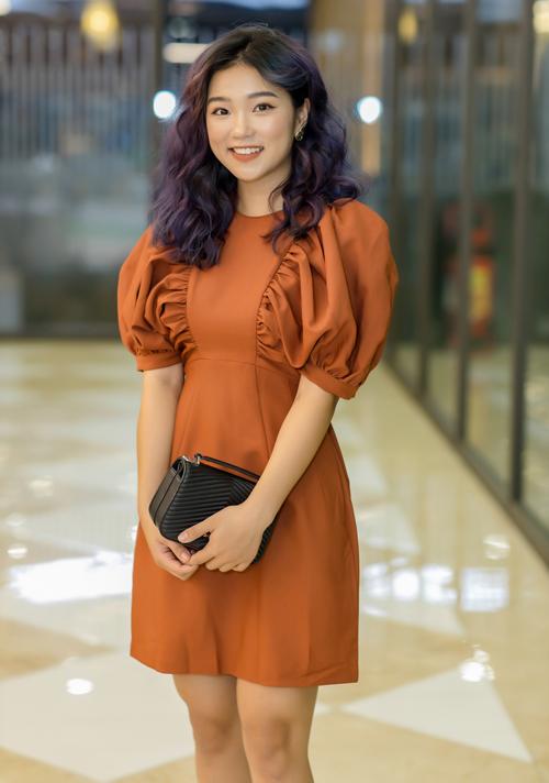 ... và Chi Phạm - hot girl có lượng theo dõi lớn trên mạng xã hội.