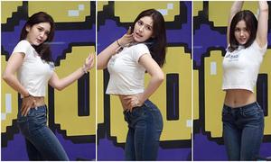 Mặc đồ bình dị, Somi được khen sexy hơn hẳn trên sân khấu