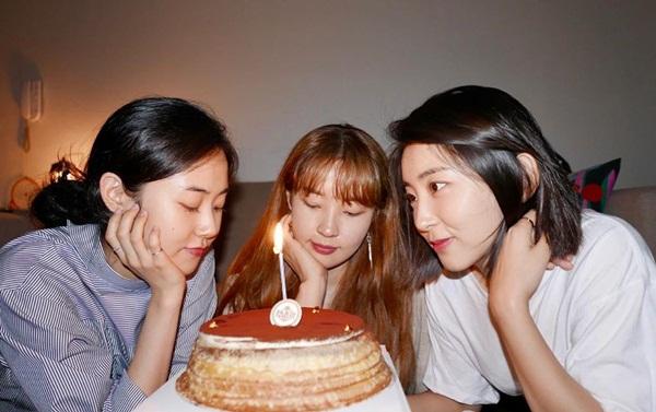 3 cựu thành viên 4minute - Ga Yoon, Ji Yoon và So Hyun - tụ tập ăn mừng kỷ niệm 10 debut.