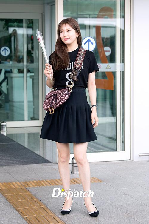 Hình thể của Suzy đầy đặn hơn trước. Netizen cho rằng dù tăng cân nhưng cô nàng vẫn xinh đẹp, nhan sắc đủ để thu hút mọi ánh nhìn.